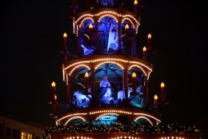 Foto: flickr.com_Jorge Franganillo.- Weihnachtsmakrt am Alexanderplatz